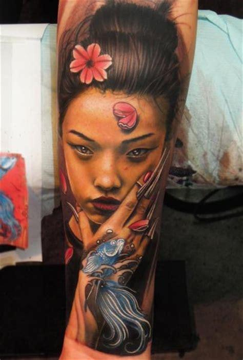 tattoo visage geisha tatouage bras portrait japonais geisha par bang bang