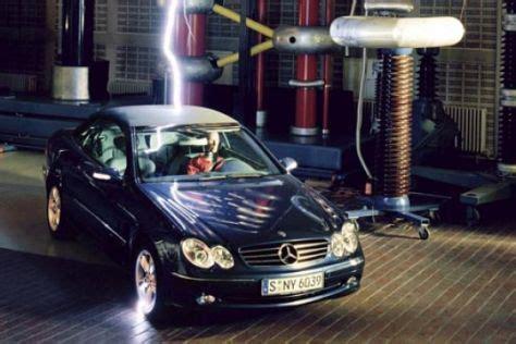 Blitzeinschlag Auto by Mit Sicherheit Geschlossen Autobild De
