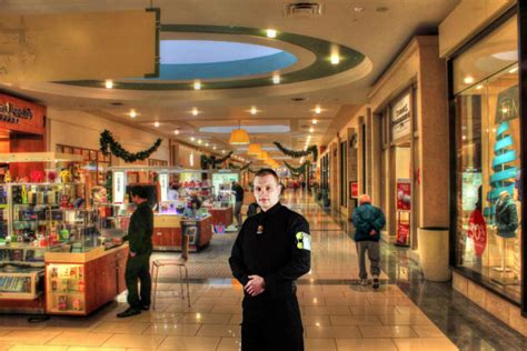 Retail Security Guard by Why You Should Security Guards That Understand Retail Security
