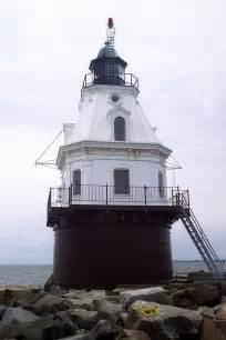 lights connecticut southest ledge lighthouse connecticut the guiding light