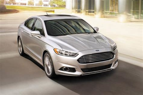 Ford And Chrysler 2015 chrysler 200 vs 2015 ford fusion which is better