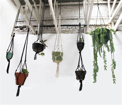 How To Make A Simple Macrame Plant Hanger - hanging succulent garden laminx