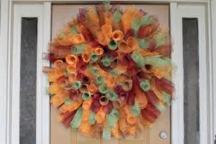 how to make a deco mesh wreath using two colors miss kopy how to make a curly deco mesh wreath