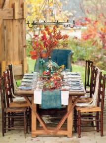 Autumn Dining Table Decor Create The Thanksgiving Dinner Outside Here S Our