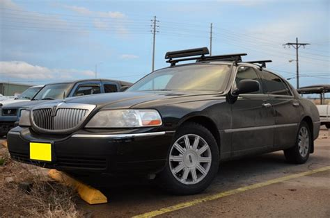 service manual manual 1992 lincoln town car roof removal 1993 lincoln town car data info and service manual manual 1992 lincoln town car roof removal 1993 lincoln town car data info and
