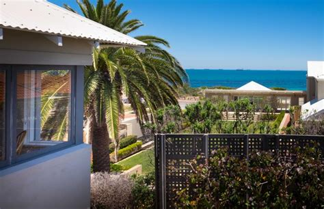 Cottesloe Executive Beach House Cottesloe Beach House Stays Cottesloe House Stays