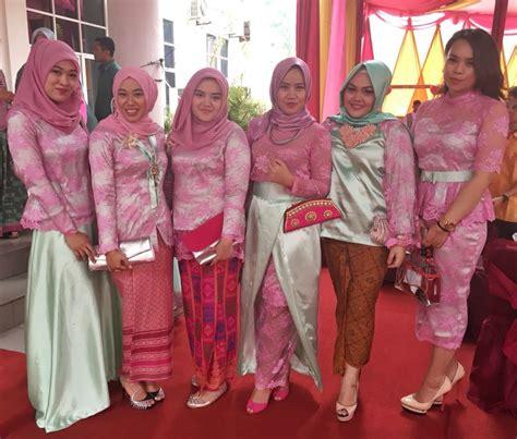 tutorial hijab kebaya kartini bridesmaidsdresses kebaya bridesmaids hijab pink