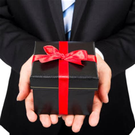 business gift top 5 things to pay attention to when giving corporate gifts