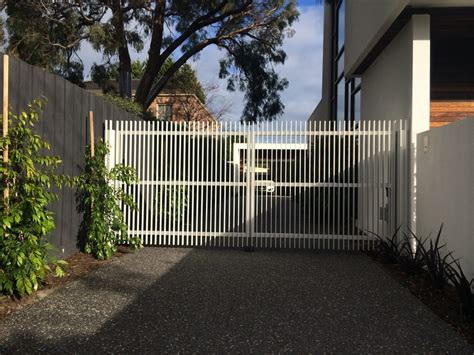 electric swing gates electric swing gates beaumaris gatepower