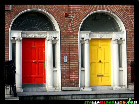 porte colorate la leggenda delle porte colorate di dublino italiani