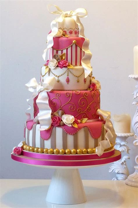 professionally  beautifully designed cakes page
