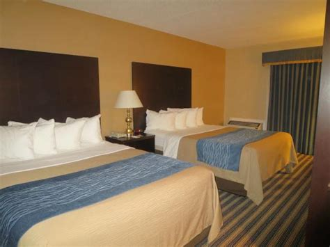 bedrooms and more wallaceburg both double beds picture of days inn wallaceburg