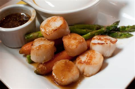 what is the best way to defrost frozen scallops
