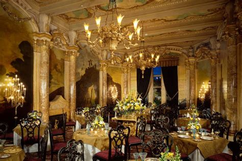 inside mar a lago inside donald trump s golden 58 bedroom mar a lago palm
