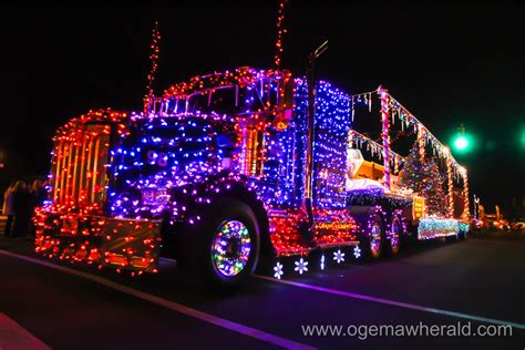 light parade floats floats light up branch for annual parade