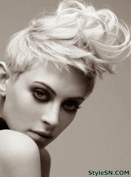 wet and messy hair look the messy wet short hairstyle photo shoot ideas pinterest