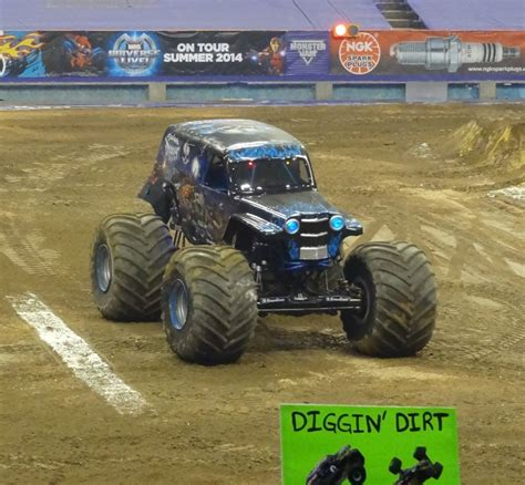 monster truck show syracuse ny monster jam 2014 syracuse ny