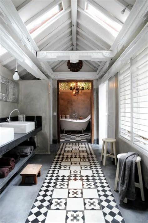 agréable Petite Salle De Bain Sous Pente De Toit #5: salle-de-bain-sous-pente.jpg