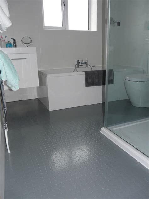 Bodenbelag fürs Bad   12 Alternativen zu Fliesen