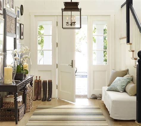 How To Decorate An Entryway Living Room