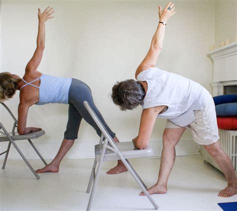 imagenes de yoga en silla mejores 36 im 225 genes de yoga en pinterest yoga iyengar