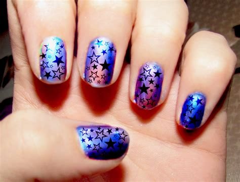 Best Way To Decorate A Christmas Tree File Hologram Nail Art Jpg Wikimedia Commons