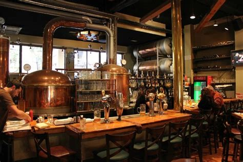 brew house барная стойка picture of tel aviv brewhouse tel aviv tripadvisor