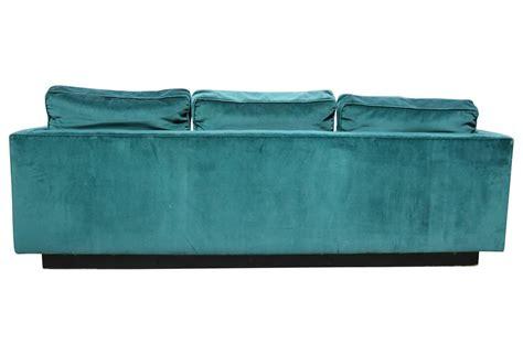 emerald green velvet sofa emerald green velvet 1970s plinth base sofa at 1stdibs