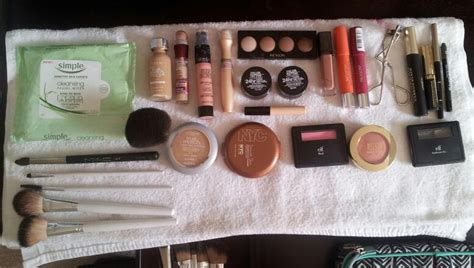 12 Things To In Your Make Up Bag by How To Pack Your Travel Makeup Bag All Things Ful