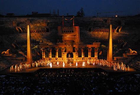 Calendario Arena Di Verona 2015 Arena Di Verona Opere In Giugno Gardaconcierge