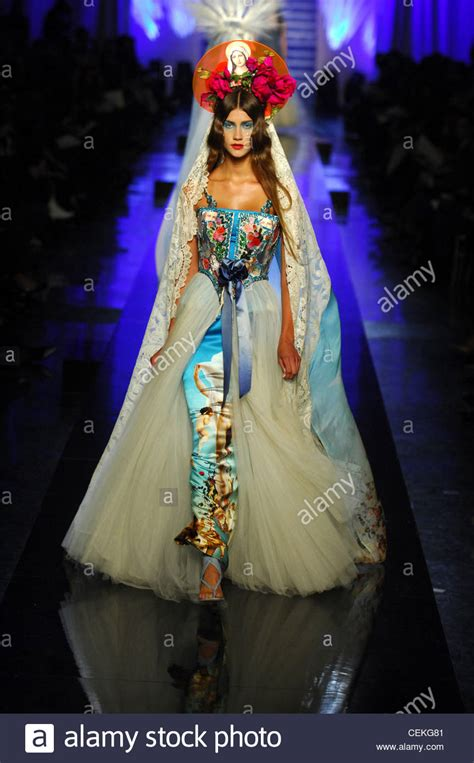 Jean Paul Gaultier Summer 2007 Haute Couture Length by Jean Paul Gaultier Haute Couture Summer