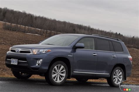 2013 toyota limited review 2013 toyota highlander hybrid limited car news auto123