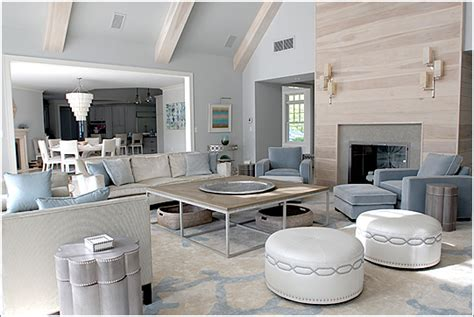 Modern Rustic Home Interior Design by Hamptons Style Interiors Use Classic Wallpaper For