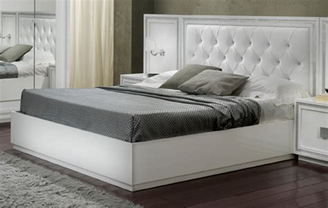chambre a coucher discount lit krystel laque blanc blanc