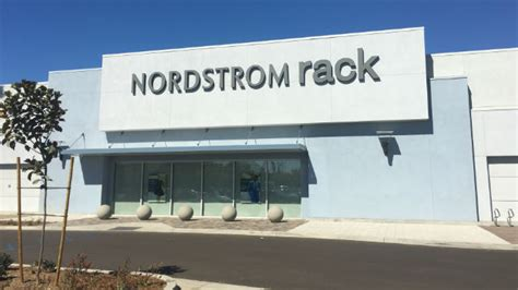 Nordstrom Rack And Nordstrom Difference by San Diego S 5th Nordstrom Rack Outlet Opens In La Jolla