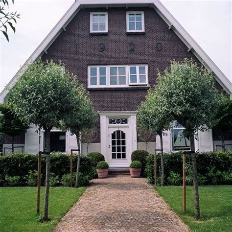 dutch style house step inside a colonial style dutch house housetohome co uk