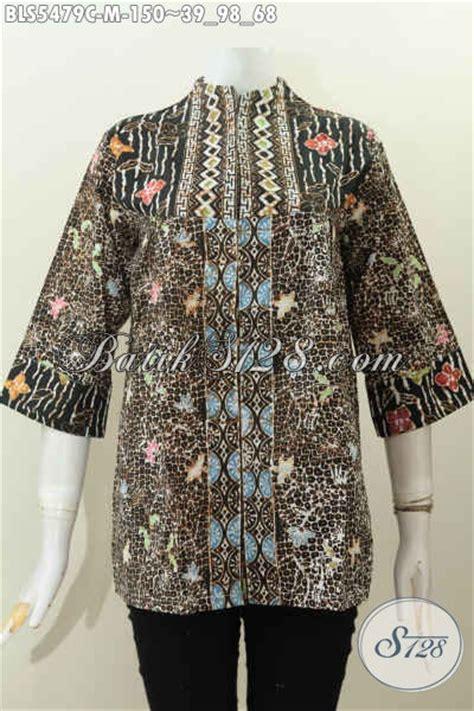 desain atasan batik wanita baju blus motif mewah proses cap pakaian batik atasan