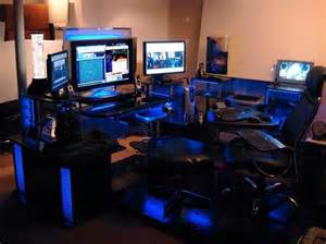 Pc Gaming Desk Setup 1000 Ideas About Computer Setup On Gaming Setup Pc Setup And Desk Setup