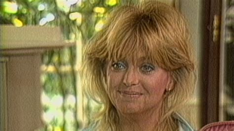 goldie hawn kurt russell interview goldie hawn glows talking about kurt russell in 1986
