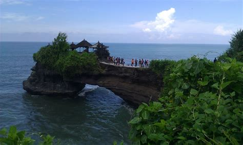 sea temples  beautiful bali  island paradise