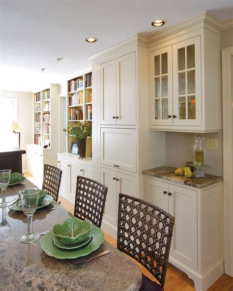 Cabinet dining