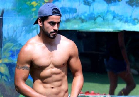 stylish hair of gautam gulatu know why gautam gulati can win bigg boss 8 title see pics