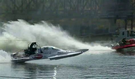 nitro boats problems quot problem child quot top fuel dragster boat is 262 mph insanity