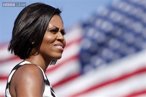 what did rhe pull back hairdos on michelle obama photos 12 stunning short hairstyles that michelle obama