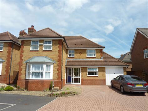 4 bedroom detached house for sale in penterry park