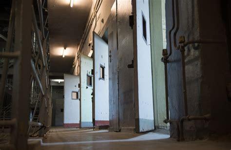 casa circondariale rieti studenti e detenuti recitano insieme nel teatro della casa