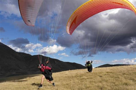 swing paragliders sensis swing paragliders
