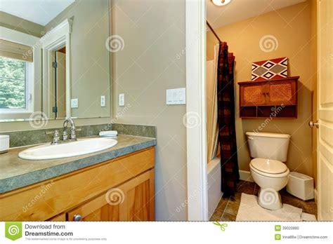 bagno in da letto piccolo bagno in da letto principale fotografia