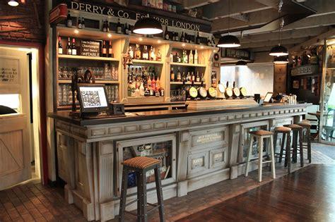 interni pub croject srl arredo pub arredamenti arredi per