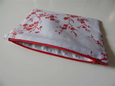 pattern for zippered pouch learn to sew free easy zippered pouch tutorial